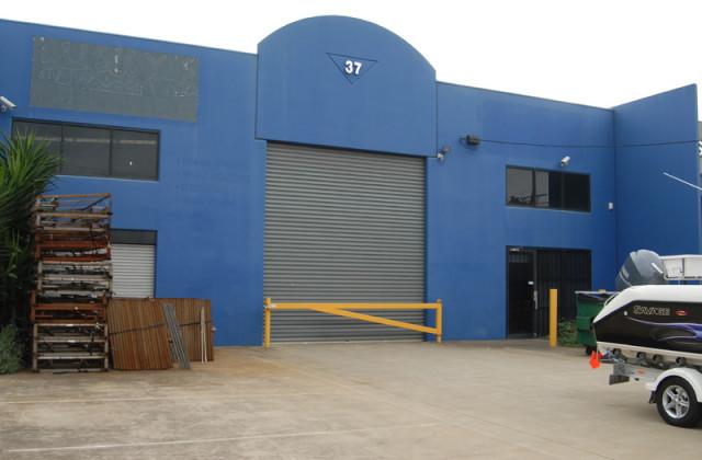 37 Macquarie Drive, THOMASTOWN VIC, 3074