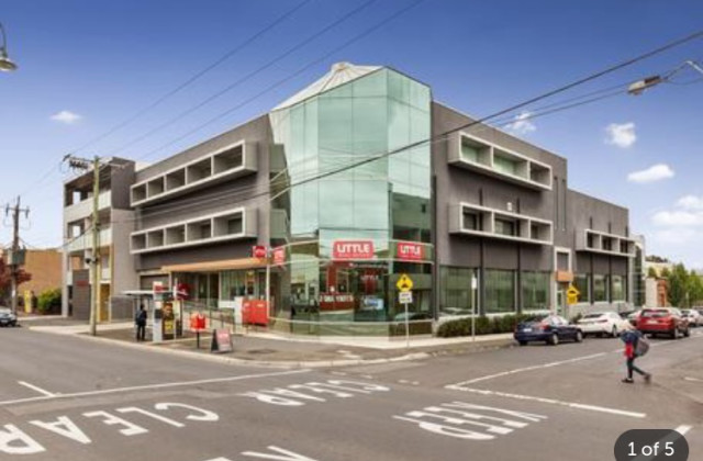 2/207-211 Buckley Street, ESSENDON VIC, 3040
