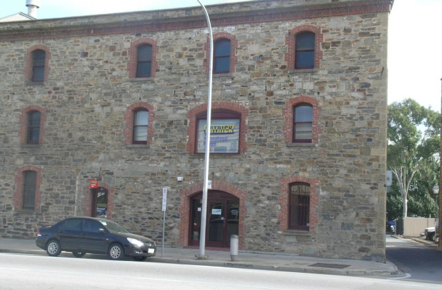 221 St Vincent Street, PORT ADELAIDE SA, 5015