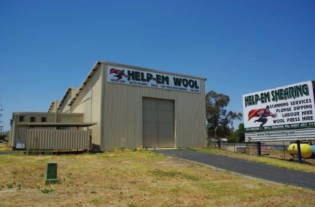 8 Mitchell Highway, WELLINGTON NSW, 2820