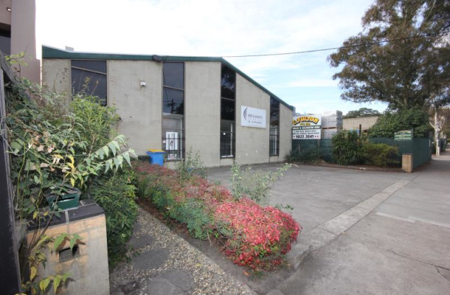 Front Office/13 Hall Street, HAWTHORN EAST VIC, 3123