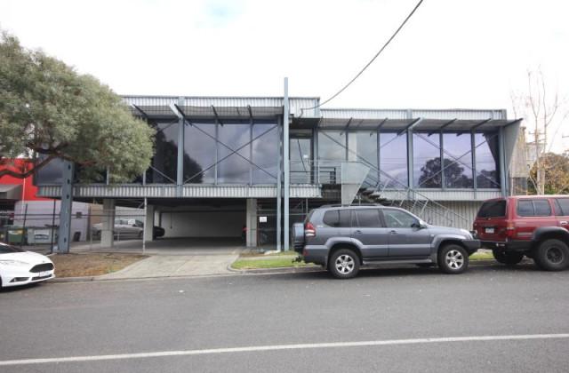 Whole Building/5 Molan Street, RINGWOOD VIC, 3134