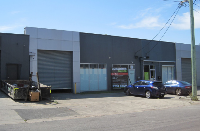15 Tudor Street, BURWOOD VIC, 3125