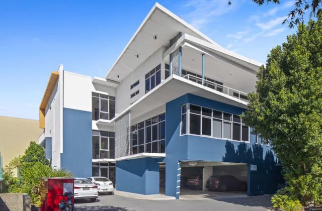 9 Seabank Lane, SOUTHPORT QLD, 4215