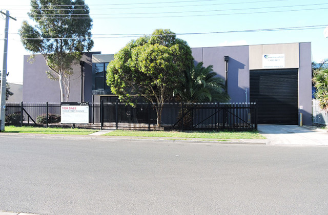 Unit 1 /30 Chelmsford Street, WILLIAMSTOWN NORTH VIC, 3016