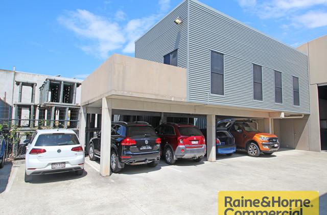 345 MacDonnell Road, CLONTARF QLD, 4019