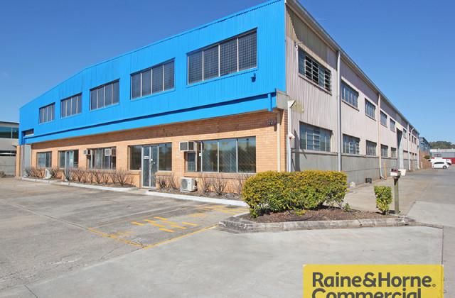 A1 & A2/172 Robinson Road, GEEBUNG QLD, 4034