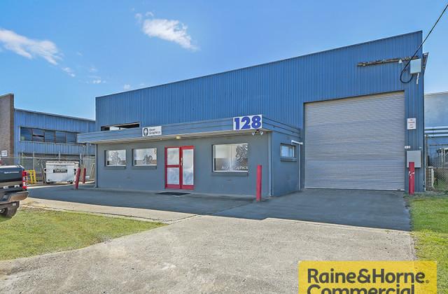 128 Granite Street, GEEBUNG QLD, 4034