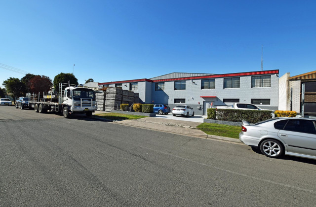 3 ANTILL STREET, YENNORA NSW, 2161