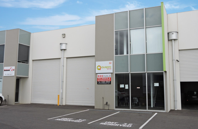 Unit 32/22-30 Wallace Avenue, POINT COOK VIC, 3030