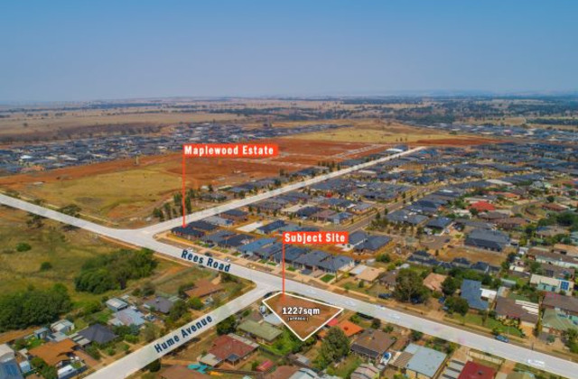 98  Rees Road  & 1 Hume Avenue, MELTON SOUTH VIC, 3338