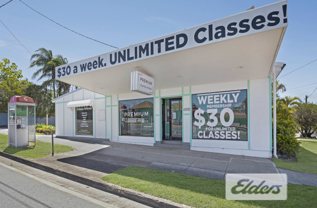 698 Old Cleveland Road, CAMP HILL QLD, 4152