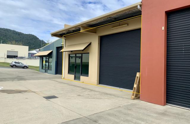 2/6 Commerce Close, CANNONVALE QLD, 4802