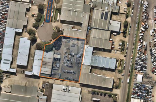 4 Kaleski Street, MOOREBANK NSW, 2170