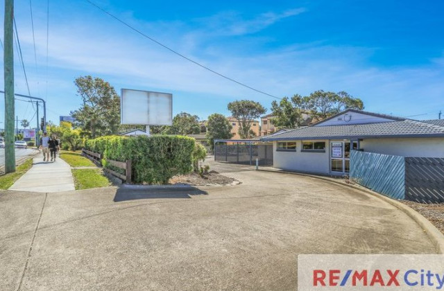 2166 Logan Road, UPPER MOUNT GRAVATT QLD, 4122