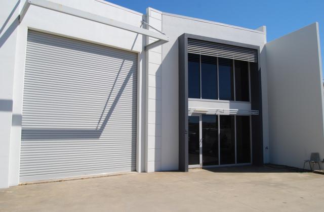 5/8 Myer Lasky Drive, CANNONVALE QLD, 4802