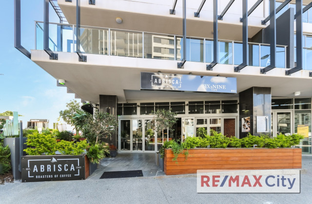 Shop 5/159 Logan Road, WOOLLOONGABBA QLD, 4102