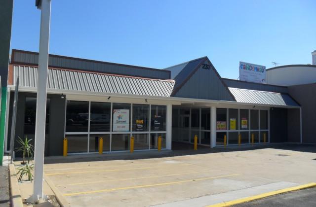 Shop 4/233 Musgrave Street, BERSERKER QLD, 4701