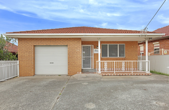 25 Greene Street, WARRAWONG NSW, 2502