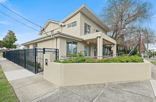 327 Gladstone Road, DANDENONG NORTH VIC, 3175
