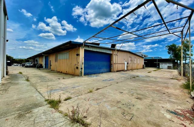 Units 1&2/19 Lochlarney Street, BEENLEIGH QLD, 4207