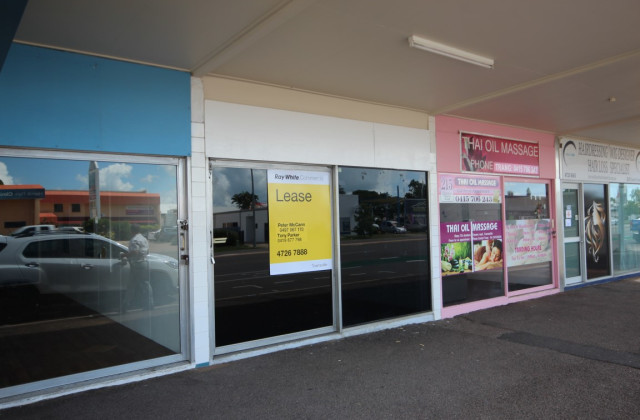 213-215 Charters Towers Road, HYDE PARK QLD, 4812