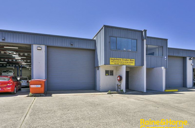 Unit 2/15 Aero Road, INGLEBURN NSW, 2565
