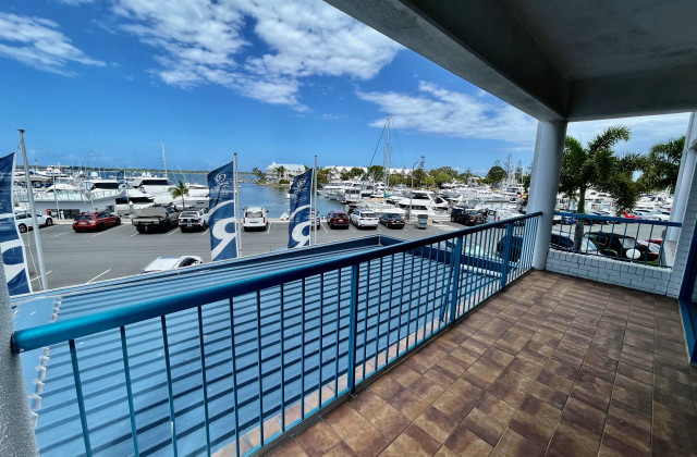 Suite 6/237 Bayview Street, RUNAWAY BAY QLD, 4216