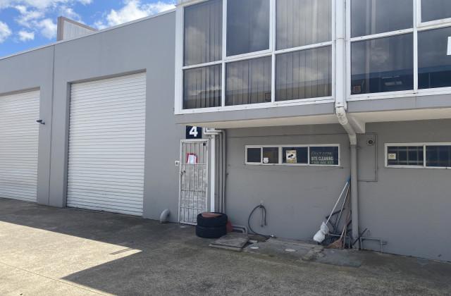 MOOREBANK NSW, 2170