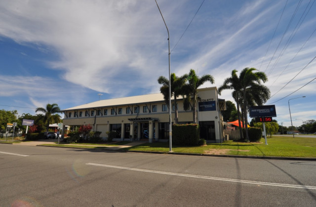 Suite 3, 5 Woolcock Street, HYDE PARK QLD, 4812