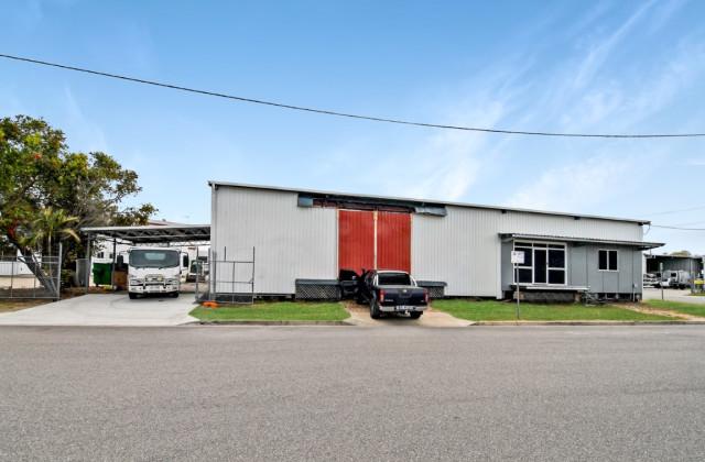 2/8 Horwood Street, CURRAJONG QLD, 4812