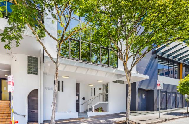164 Wharf Street, SPRING HILL QLD, 4000