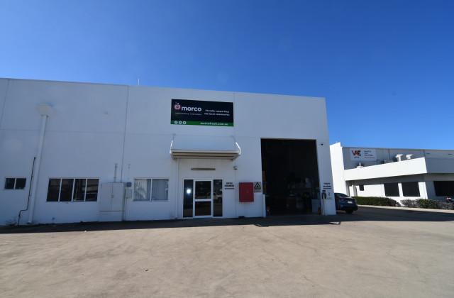 2/11-13 Corporate Crescent, GARBUTT QLD, 4814